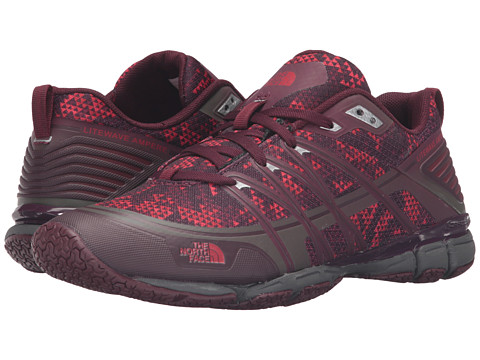 Incaltaminte Femei The North Face Litewave Ampere Deep Garnet Red Triangle Party PrintMelon Red (Prior Season)