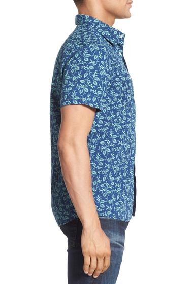 Imbracaminte Barbati Grayers Izzy Trim Fit Leaf Print Short Sleeve Sport Shirt LEAF-MOTIF