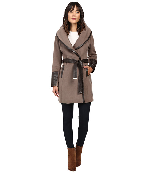 Imbracaminte Femei Via Spiga Chic Wrap Coat with Contrast PU Detail and Belt Pebble