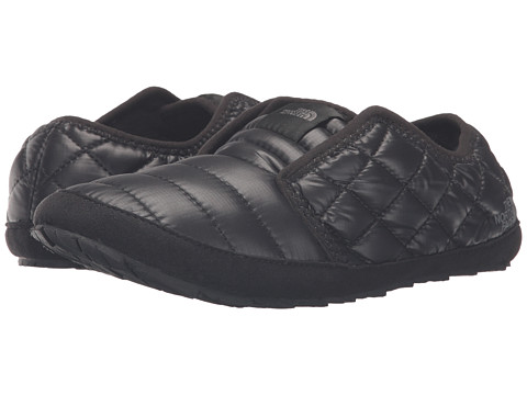 Incaltaminte Femei The North Face ThermoBall Traction Mule II Shiny TNF BlackTNF Black (Prior Season)