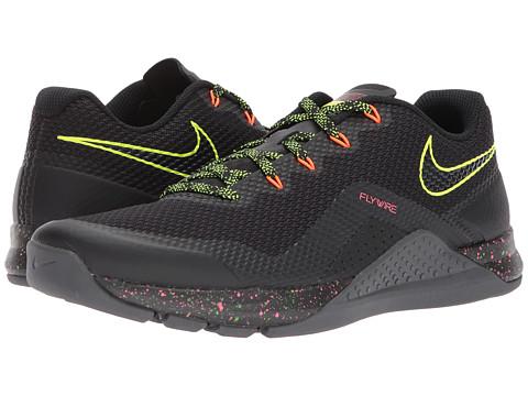 Incaltaminte Barbati Nike Repper DSX BlackVoltHyper CrimsonHot Punch