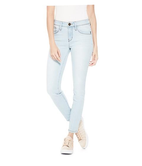 Imbracaminte Femei GUESS Beyla Curvy Mid-Rise Skinny Jeans light wash