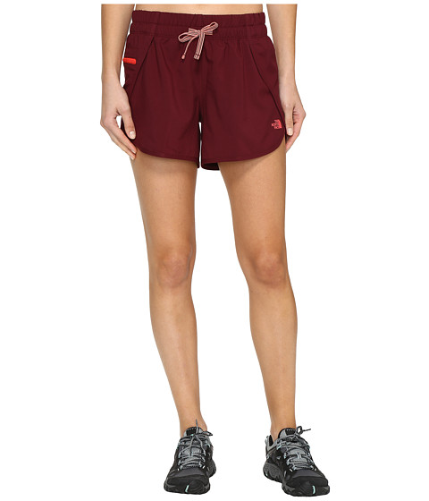 Imbracaminte Femei The North Face Class V Shorts Deep Garnet (Prior Season)