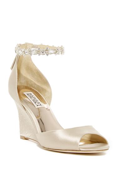 Incaltaminte Femei Badgley Mischka Thalia Crystal Embellished Wedge Heel Sandal NUDE SATIN