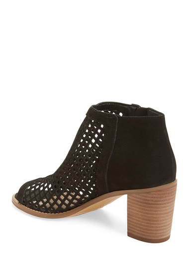 Incaltaminte Femei Vince Camuto Tresin Perforated Open-Toe Bootie BLACK