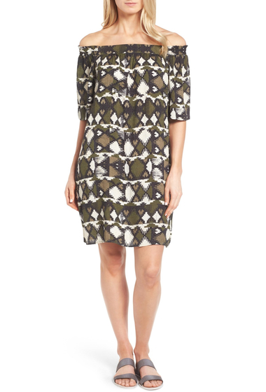 Imbracaminte Femei Caslon Off the Shoulder Shift Dress Regular Petite BLACK- OLIVE SPLICED IKAT PRT