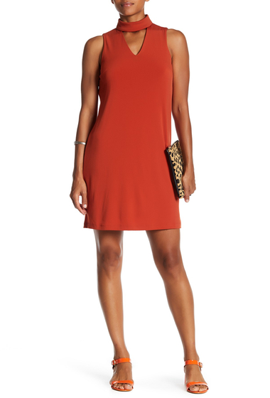 Imbracaminte Femei London Times Mock Neck Cutout Shift Dress BRICK