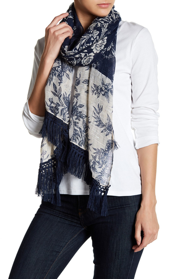 Accesorii Femei Melrose and Market Floral Tassel Detail Scarf NAVY COMBO