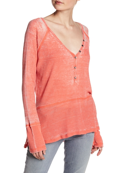 Imbracaminte Femei Melrose and Market Waffle Knit V-Neck Topstitched Henley Petite CORAL HOT