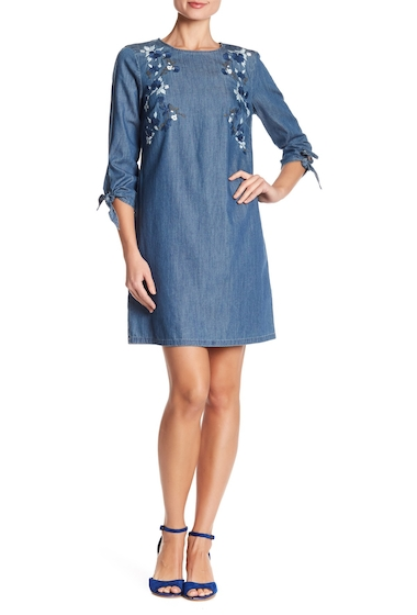 Imbracaminte Femei CeCe by Cynthia Steffe Floral Embroidered Denim Tie Sleeve Dress 422-AUTHENTIC