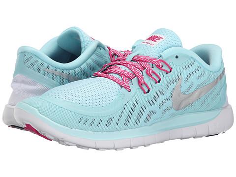 Incaltaminte Fete Nike Free 50 (Big Kid) CopaVivid PinkWhiteMetallic Silver