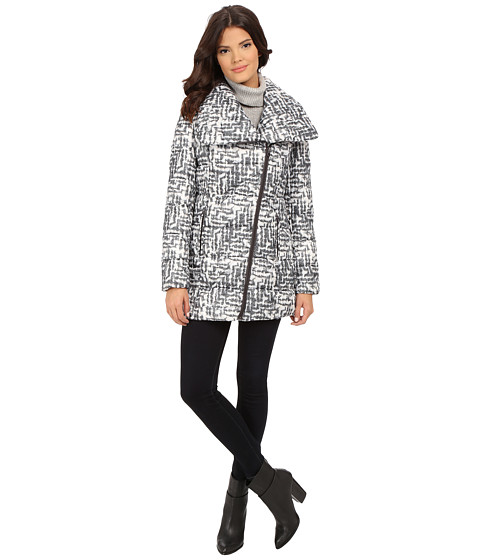 Imbracaminte Femei Kenneth Cole New York Asymmetrical Sweater Print Packable Faux Down Coat BlackWhite