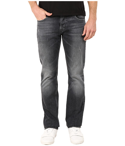 Imbracaminte Barbati Hudson Byron Five-Pocket Straight Jeans in Blacksmith Blacksmith